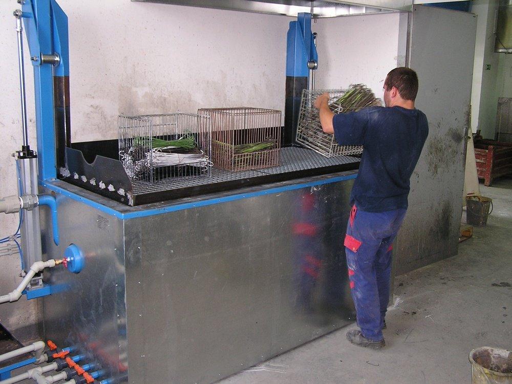 Оборудование для снятия краски<br />«КОНТЕГ» Пелгржимов оборудование для снятия краски с подъемной решеткой.